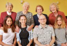 Hodinoví vnuci v Moravskoslezském věnují svůj volný čas seniorům