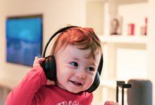 Hudba podle vědců stimuluje vývoj nedonošených dětí