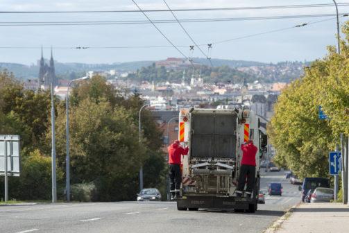 Díky nové aplikaci je nahlašování plných kontejnerů v Brně jednodušší