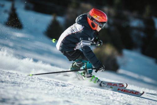 Jihočeský kraj přispěje žákům na školní lyžařské kurzy