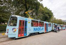 Plzní jezdí speciální tramvaj. Vybízí k darování kostní dřeně