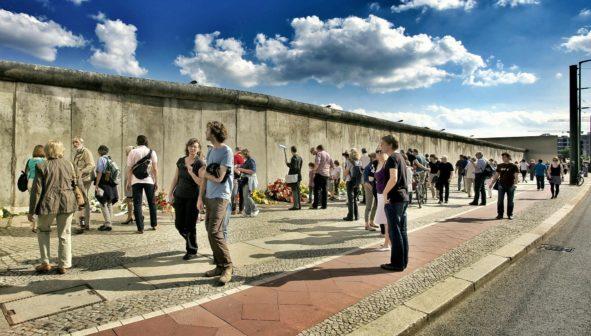 Zbytky berlínské zdi našly nové využití. Slouží pro třídění odpadu