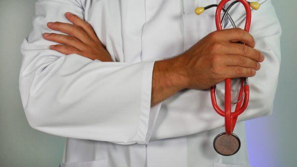 Psychosociální podpora bude nově zdravotníkům dostupnější