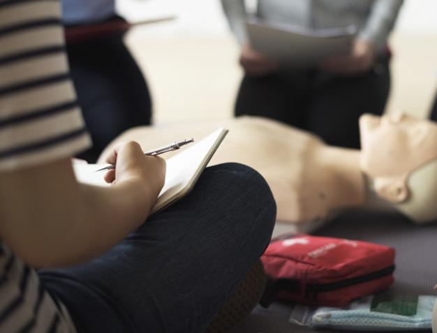 Jak zvládnout první pomoc u dětí zdarma poradí brněnské semináře