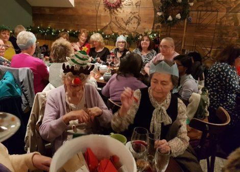 Restaurace zve na vánoční večeři zdarma ty, kdo tráví svátky sami