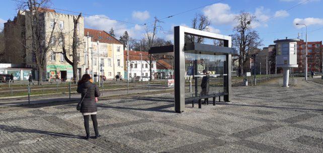 Brněnské zastávky budou mít nové přístřešky, některé i zelené střechy